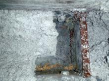 Reste von Spritzasbest nach Sanierung